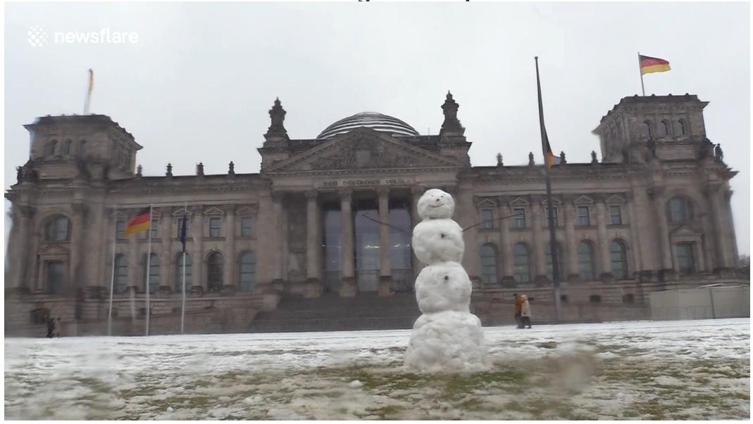 Snow in Berlin, Dec 3, 2021
